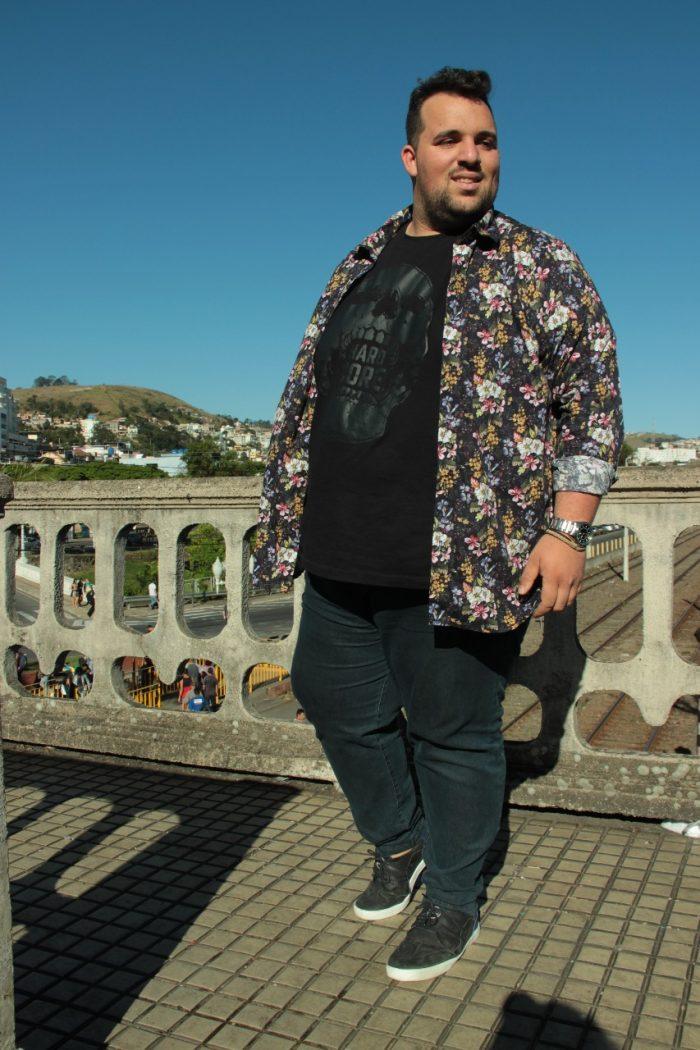 d801afb40 Look Plus Size Masculino com Camisa Floral : Beleza Sem Tamanho